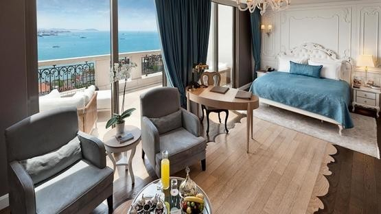 TERRACE SUITE WITH BOSPHORUS VIEW